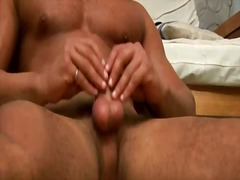 Muscular stud masturba... from BoyFriendTV