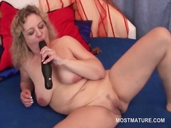 Slutty mature babe suc... from DrTuber
