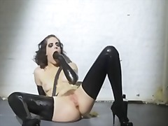 Mastubation in latex from Xhamster