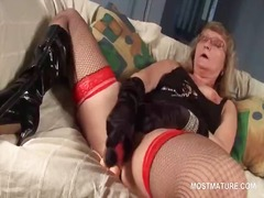 IcePorn - Trashy mature in fishn...