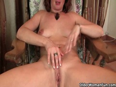 Xhamster - Redheaded mom plays wi...