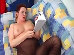 Lady shows all 93 from Xhamster