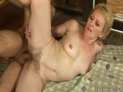 Yobt - Granny enjoys nasty se...