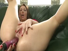 Cutie fingering snatch... from Pornoid
