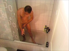 Hot guy wanking in shower