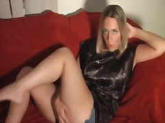 Jerk to her legs. joi