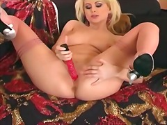 Masturbating in thigh ... from Xhamster
