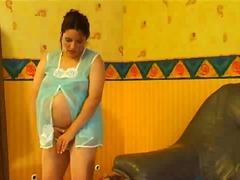 Pregnant woman gets horny