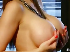 Glam queen from PornHub