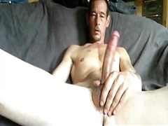 Mature stud beating off from BoyFriendTV