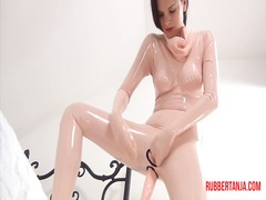 Rubber masturbation an...