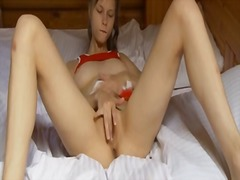 Beata girl fingering b...