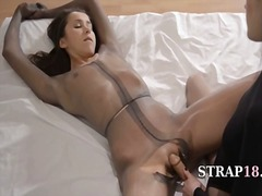 IcePorn - Luxury babes with stra...