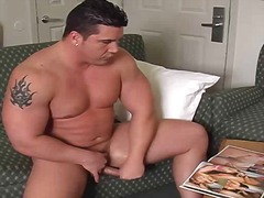 Chubby solo guy jerkin... from BoyFriendTV