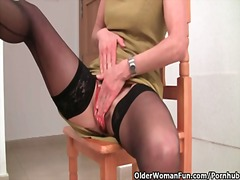 PornHub - Granny in stockings wo...