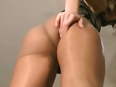 Cum on my pantyhose jo...