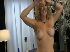 Milf solo live chat jo... from Xhamster