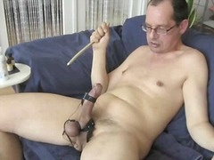 Randy guy stimulates h...