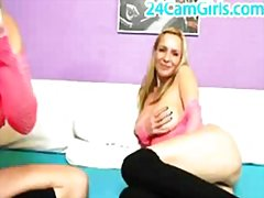 Lesbians blonde on webcam from Redtube