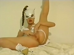 Masked girl does a sel... from Xhamster