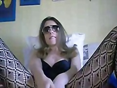Smacking my cunt with ... from Private Home Clips