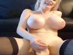 Playfulpaige hot mfc girl from PornoXO