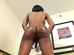 Ebony shemale jerking ... from Vporn