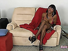 Hot ebony shemale jerk...