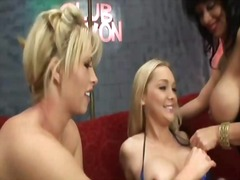 PornoXO - These whores love lesb...