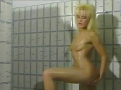 Vintage blonde has soa... from Tube8