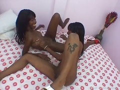 Pussy-licking black le...