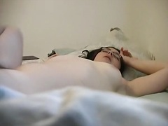 Sexy nerdy babe mastur... from Private Home Clips