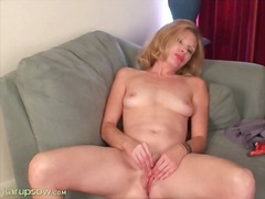 Milf holly jones rubs ...