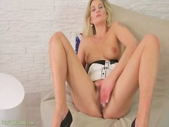Solo milf spanks her a...