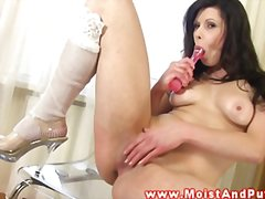Sexy wet moist pussy b... from Redtube