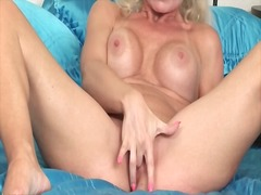 Fingering blonde mom h...