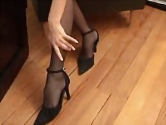Stockings and pantyhose