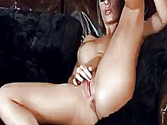 Nicole aniston shows o...