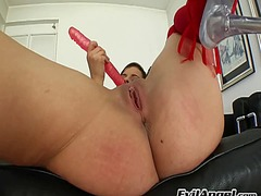 Abbie cat pumps her cu... from Ah-Me