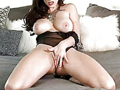 Taylor vixen with mass...