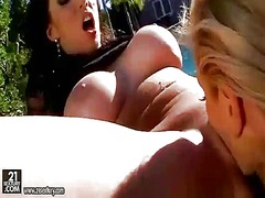 Hot bitches having sex...