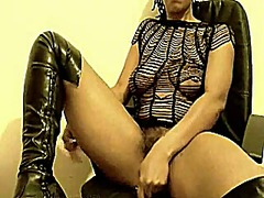 Ebony squirting from Xhamster