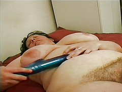 Chunky mature lady has... from WinPorn