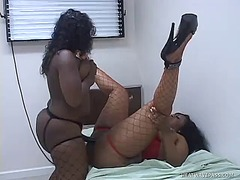 Chunky black lesbians ... from WinPorn