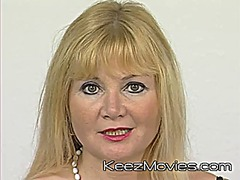 Mature euroean mom mas...