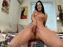 Anne angel cant stop d...