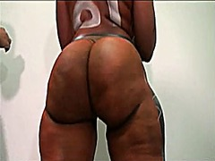 Black girls show ass