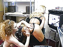 Big-chested blonde get... from Xhamster