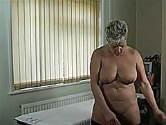 Oiled up tessa
