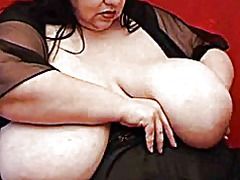 Ssbbw shows off her hu... from Xhamster